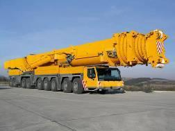 Fig. 2: The LTM 11200-9.1 is the strongest telescopic crane with the longest telescopic boom in the world. The 8-part boom is extended fully automatically to the desired length and locked