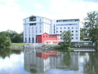 Blick auf Klinkelsche Mühle mit Beobachtungsstation