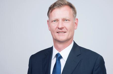 Urs Lüchinger (47), neuer Verkaufsleiter Consumer Products (PKW-Reifen) bei der Bridgestone Schweiz AG.