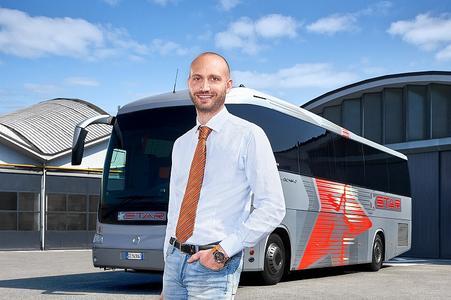 Das in Italien ansässige Linien- und Reisebusunternehmen Star SPA konnte seinen Kraftstoffverbrauch in der Flotte um bis zu 3 Prozent senken, seitdem sie mit Conti Coach-Reifen unterwegs sind