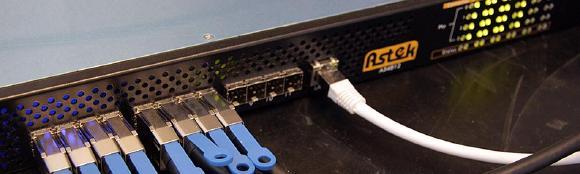 Der SAS-Switch A54812-SW von Astek im Starline-Testlabor beim Dauerlauf.