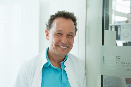 Christian Haass wird mit dem Hartwig Piepenbrock-DZNE Preis ausgezeichnet (Bild: LMU)