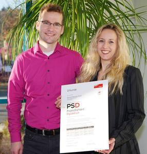 "Foto ""Zertifikatsübergabe / Links im Bild: Dr. Andreas Kraushaar, Fogra, rechts: Frau Diana Esser, Esser printSolutuions GmbH"""