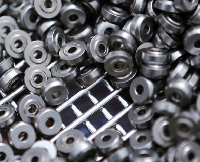 Mit den neuen MEFO-BOXen in Maschenweite 4 mm können Kleinteile effizient als Schüttgut gereinigt werden.