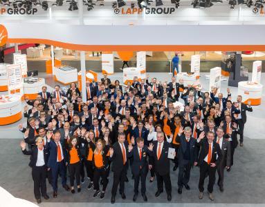 Voll motiviert: Mitarbeiter der Lapp Gruppe auf der Hannover Messe 2017