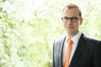 Dr. Nils Middelberg