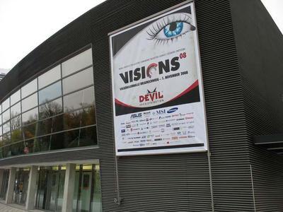 Devil Visions 08 in der VW-Halle Braunschweig am 1. November.  Die Location bot den passenden Rahmen zur Veranstaltung