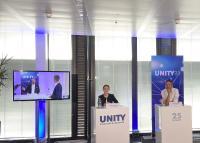 Zugeschaltet aus dem Studio Stuttgart waren u.a. Nicolina Litschgi, Geschäftsführerin der UNITY Schweiz AG, und UNITY-Vorstand Stephan Bille (v. l.).
