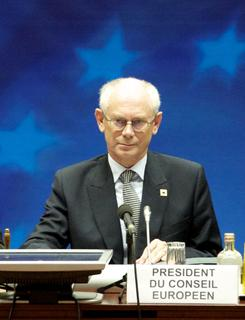 ESMT vergibt Responsible Leadership Award an Herman Van Rompuy
