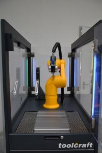 C 1: The workspace includes the latest-generation Stäubli TX2-60 robot