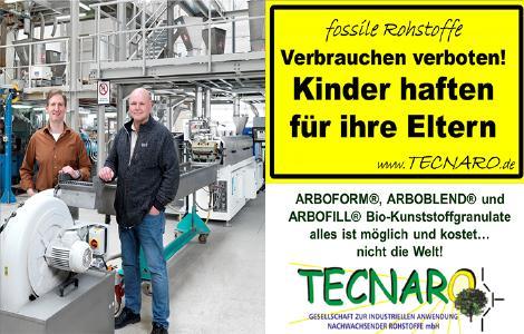 v.l.n.r.: Helmut Nägele und Jürgen Pfitzer, Geschäftsführer der Tecnaro GmbH, erweitern mit einer neuen Compoundieranlage aus dem Hause Krauss Maffei Berstorff die Produktionskapazität für ihre Biokunststoffe / Foto: KraussMaffei Berstorff