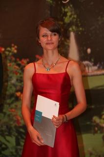 1.Johanna Klees, WITTENSTEIN-Stipendiatin 2008, zusammen mit Dr. Michael Geier, Personalleiter der WITTENSTEIN AG