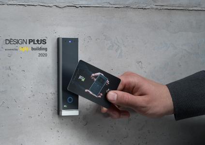 Winner des Design Plus powered by light+building 2020: Der prämierte Zutrittsleser INTUS 700slim überzeugte den Rat für Formgebung durch maximale Technik in minimal großem Gehäuse