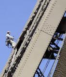 Abb. 4: Wenig dauerhaft: Die Farbbeschichtung des Eiffelturms muss alle 7 Jahre instand gesetzt werden. (Foto: Alexander Hoernigk)
