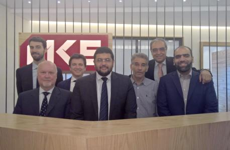 Contract signing ceremony: (from left) Enea Pasquali, Marco Fattori, Flavio Tremonti (all SMS group), Hassan M. Elmarakby (Chairman El Marakby), Waheed Said Nour (Meltshop Manager El Marakby), Sherif El Borollossy, Mohammed Zada (Executive Commercial Director El Marakby