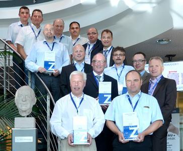 """Einer der fünf Preisträger des """"Zahoransky Business Partner Award 2013"""": Parker Hannifin, vertreten durch Michael Börner, Market Sales Manager Automation (1. Reihe, 1. v. l.)"""