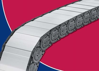 Das neue, breitenvariable Aluminium-Deckelsystem der MT 1300 ist extrem stabil und bietet den verlegten Leitungen selbst bei rauen Umgebungsbedingungen sicheren Schutz