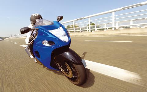 Bestnoten: Philips XP Moto Racing Performance schneidet beim aktuellen Lampentest in MOTORRAD NEWS mit Bestnoten ab.