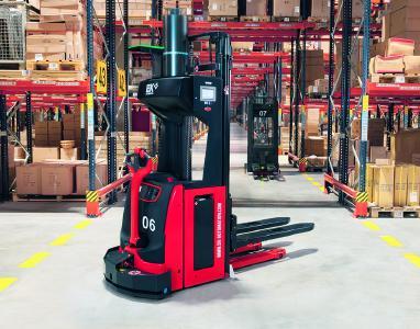EK SMART MOVE L14-20. Der flexible Transportroboter für alle Branchen