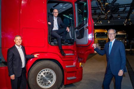 Christian Schulz, CFO der TRATON SE mit Matthias Gründler, CEO der TRATON SE und Hans Dieter Pötsch, Vorsitzender des Aufsichtsrats der TRATON SE