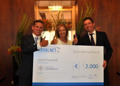 Spendenübergabe Stiftung Schneekristalle durch die Novalnet AG