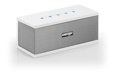 Der handliche Bluetooth-Lautsprecher SoundBlock sorgt für rundherum gute Stimmung unterwegs