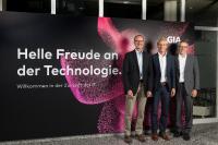 V.l.n.r.: Peter Merz, CEO GIA Informatik AG, Carlo Giorgi, Managing Director HPE Schweiz, René Lüscher, GL-Mitglied und Leiter IT-Solutions GIA Informatik AG