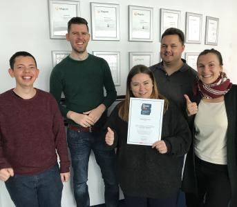 Das PHOENIX MEDIA Team freut sich über die Auszeichnung
