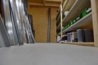 Das Premiumprodukt MC-Estrifan Color Protect Pro der gleichnamigen neuen Produktfamilie der MC ist wegen seiner sehr hohen mechanischen Widerstandsfähigkeit und der besonders guten Chemikalienbeständigkeit vor allem für Industrieböden geeignet. Da es auch über eine besonders gute Weichmacherbeständigkeit verfügt, kann es aber auch in Garagen oder Lager eingesetzt werden.