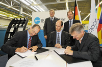 Eurocopter signs contract with Airbus to manufacture A350 XWB doors in Donauwörth