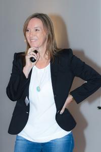 Verkaufsprofi Franziska Brandt-Biesler im Vortrag bei der Marketing Community Freiburg/Südbaden: Verkaufen mit Köpfchen und Leidenschaft