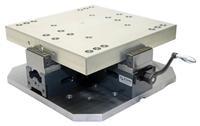 Die Spindeln des VZA 80/400 M ermöglichen eine wiederholbare Spanngenauigkeit von +/- 0,02 mm.