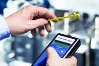 Ręczny czytnik stanowi idealny interfejs do odczytywania znaczników RFID