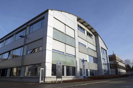 Telegärtner wächst durch Zukauf. Die englische Quadrant Connection Ltd. gehört jetzt zur Telegärtner Gruppe und an der und Schweizer Drahtex AG hat sich das Unternehmen aus Steinenbronn beteiligt.