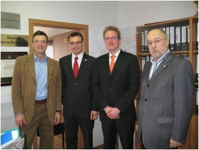 Von Links: Prof. Dr. Victor Nikitin (HSE), Mathias Eggert (ERCIS), Matthias Voigt (ERCIS),Prof. Dr.  Alexander Gromoff (HSE)