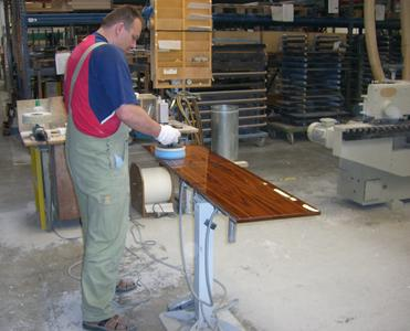 Polishing of a rosewood surface on bankmaster® DUO