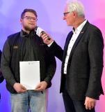 Büchsenmacher – Michael Lüder: Ricardo Schwarz (links) bei der Ehrung als Landessieger