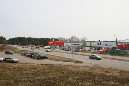 This pilot system is part of the A7 shopping center being built in the south of Riga by the side of the A7 arterial road.
