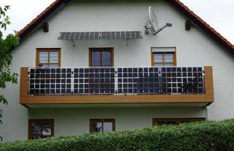 balkon gel nder terrasse oder attika nutzen geb ude. Black Bedroom Furniture Sets. Home Design Ideas