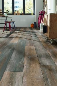 Oak Rustic (D4731) of the ROBUSTO collection (foto: SWISS KRONO GROUP)