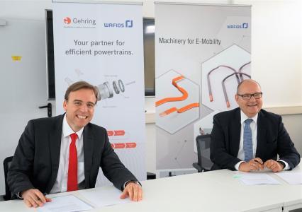 von l.n.r) Bernd Nagel, Geschäftsführer von Nagel und der neu erworbenen Gehring-Gruppe und Dr. Uwe-Peter Weigmann, Vorstandsvorsitzender von Wafios
