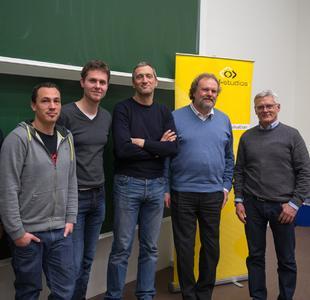 (Foto: hl-studios, Erlangen): Prof. Helmut Roderus und Prof. Christian Barta (2. und 3. v.r.) der HS-Ansbach und die Spezialisten von hl-studios