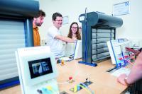 Bestens ausgebildete Referenten vermitteln umfangreiches Wissen in interaktiven Workshops © Becker-Antriebe GmbH