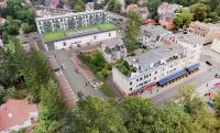 Luftbild und Parkplätze der Lidl-Projektentwicklung in serieller Modulbauweise mit maxmodul in der Hönower Straße (Bildquelle: Lidl Deutschland)