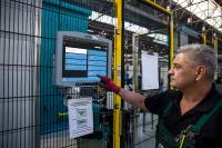 Push-Benachrichtigungen aus dem PROXIA MES-System informieren den Produktionsverantwortlichen online über Prozessabweichungen oder Störungen der Produktion.