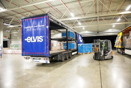 Mithilfe eines virtuellen Rundgangs macht die ELVIS AG ihre Leistungen im Knüllwald-Hub auf der transport logistic erlebbar. (Foto: ELVIS AG)