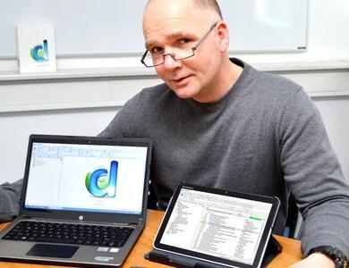 gds-Vertriebsleiter Henning Mallok präsentiert docuglobe