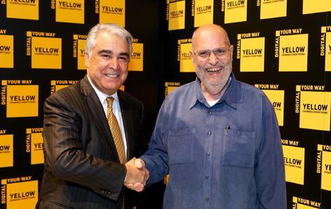 Antonio M. Perez, Kodak Chairman und Chief Executive Officer (links), mit Frank Romano, der mit dem Print Ambassador Lifetime Achievement Award ausgezeichnet wurde