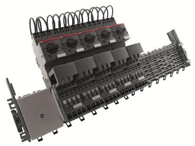 Neue Adapter und Kombimodule von ABB erlauben die Aufnahme von Motorschutzschaltern und Schützen in push-in Federzuganschlusstechnik für die Installation auf Smissline / Bild: ABB