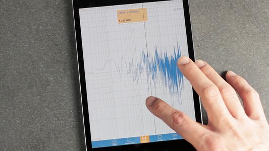 Die ACE App VibroChecker PRO verwandelt ab sofort auch iPads in Messgeräte für Profis (Bildnachweis: ACE Stoßdämpfer GmbH)